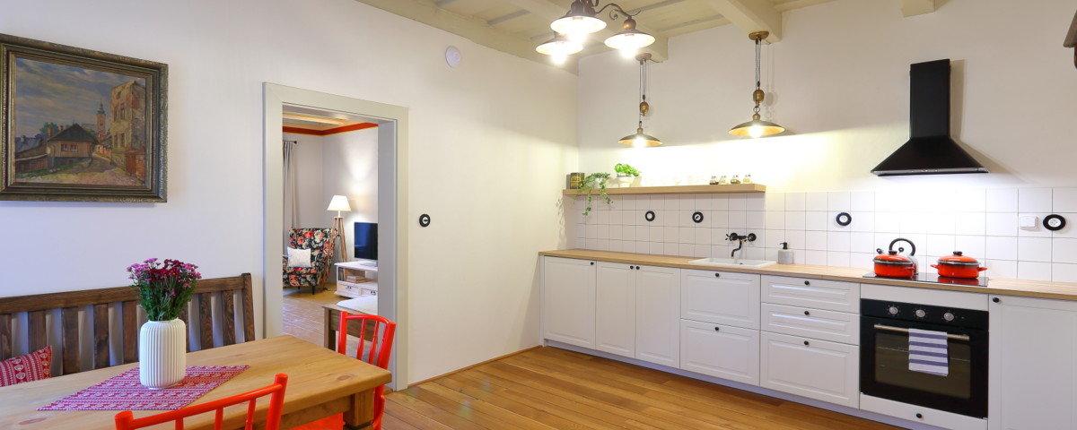 kuchyně ve starém domě